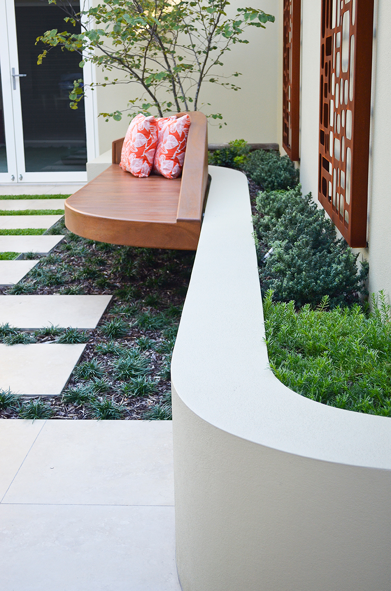 Courtyard landscape design curved wall