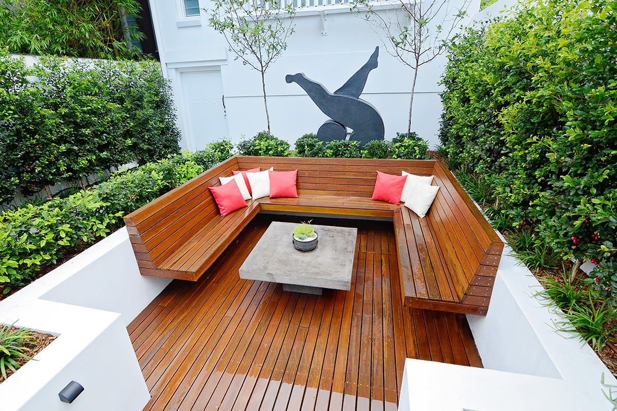 Courtyard landscape design sunken seating