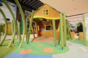 Weave through the flexible forest and see what you can discover in the cubby